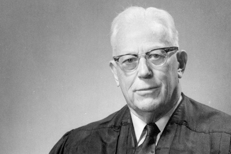 chief justice earl warren essay The life of earl warren a biography language arts research project by andrew pedersen earl warren was a kind strong man he was the chief justice on the u s supreme.
